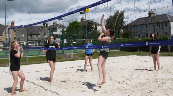 Darnhall Sun helps Juniors' Shine